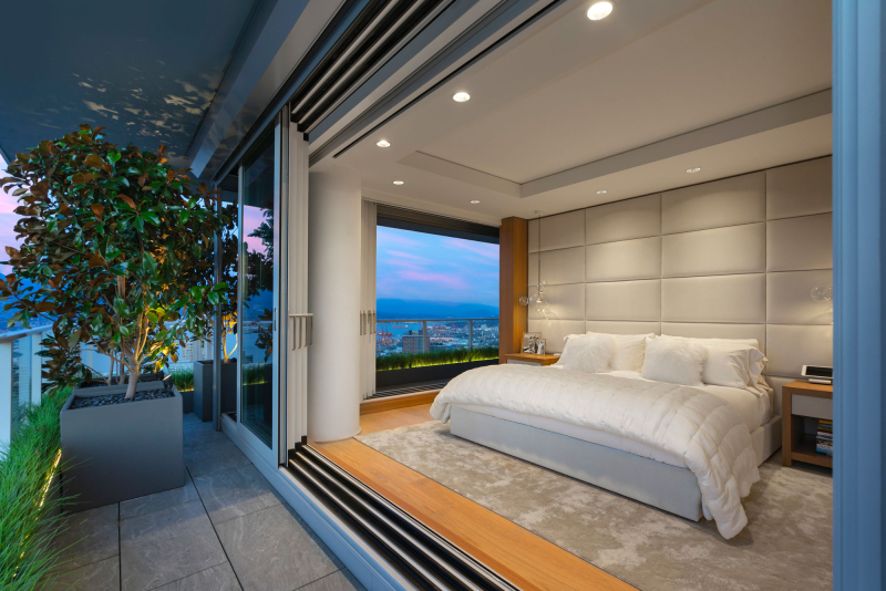 Telus-Garden-penthouse-indoor-outdoor