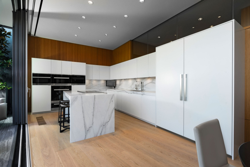 Telus-Garden-penthouse-kitchen