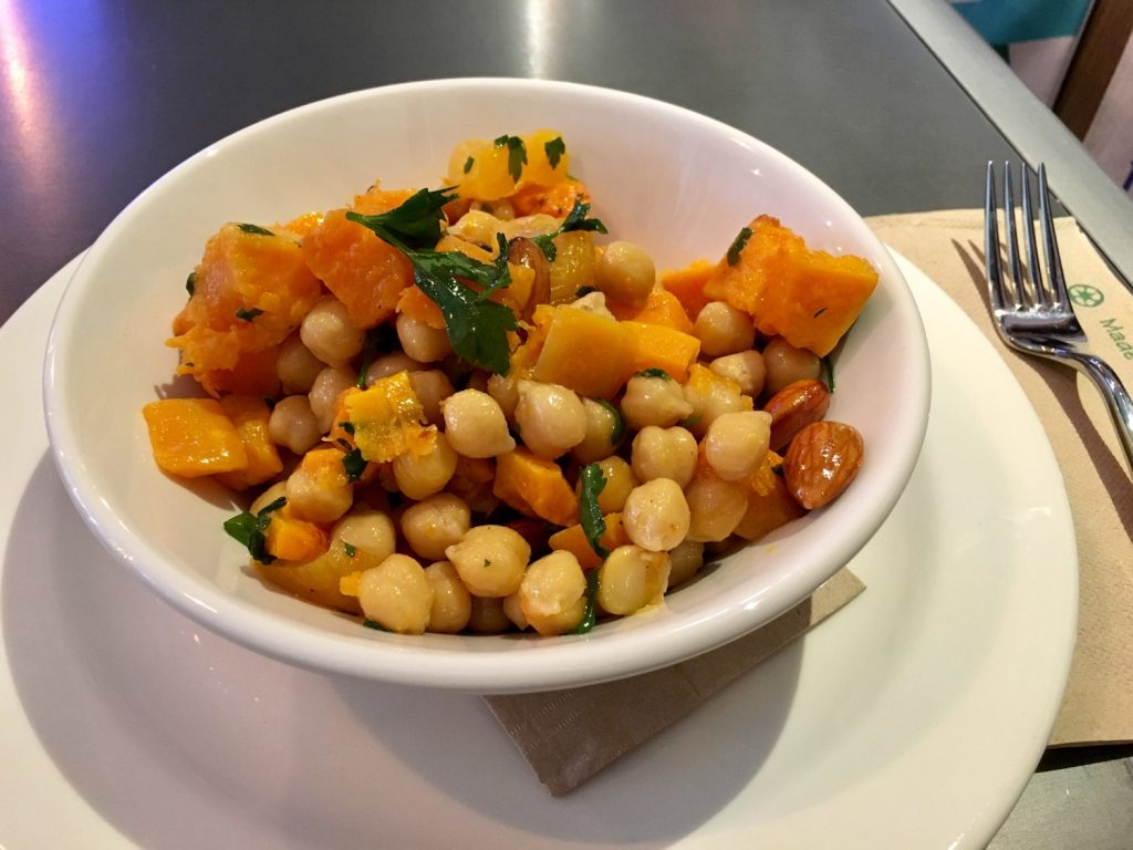 Squash salad with chickpeas and almonds.