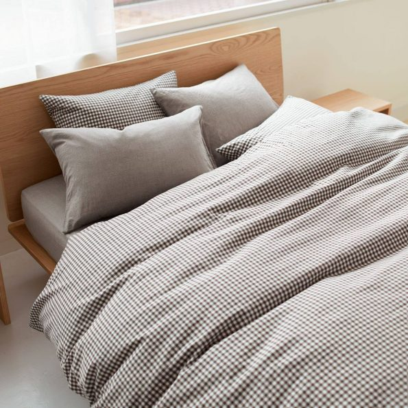 MUJI duvet cover and bed