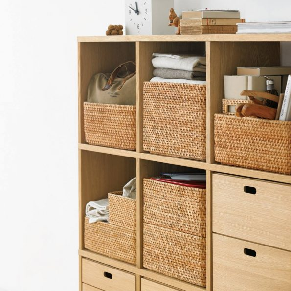 Shelving cubes with inserts