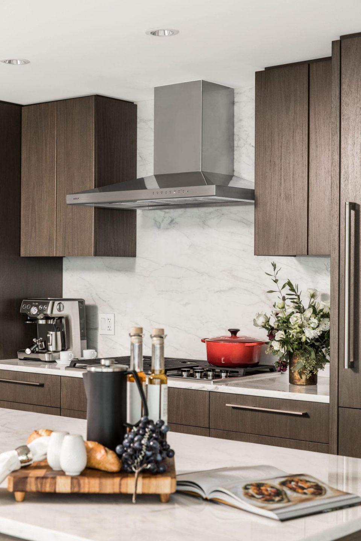 Kitchen dark colour scheme