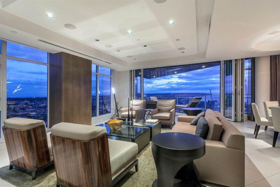 1372 Seymour Penthouse living room sitting area