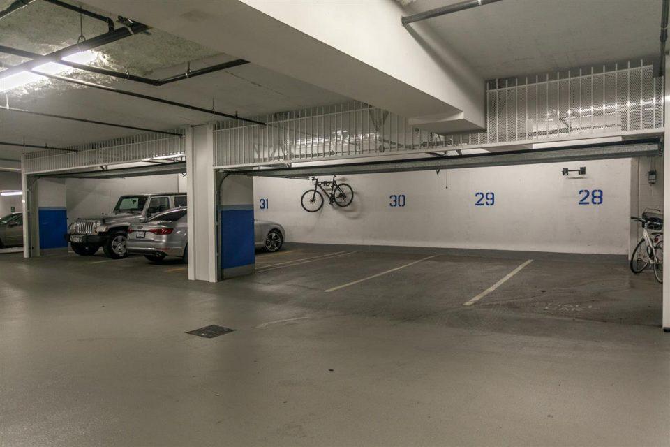 1372 Seymour Penthouse parking