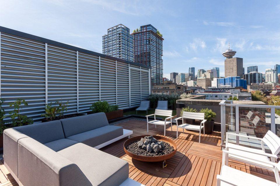 701-36 Water Street Terminus rooftop patio