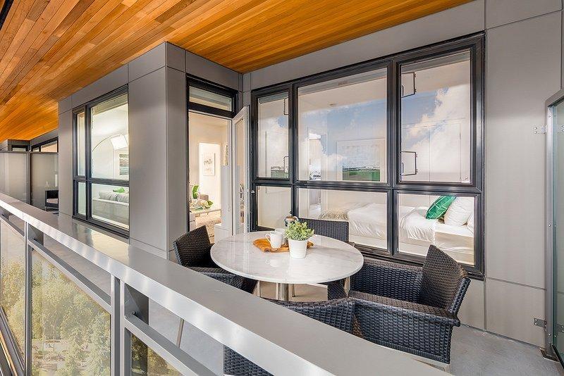 Green on Queensbury balcony
