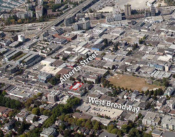 Location of 224 West 8th Ave