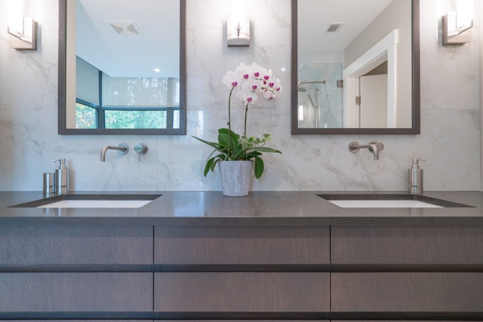 503 3315 CYPRESS PLACE West Vancouver bathroom sinks