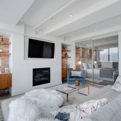 601 - 27 Alexander Street living area