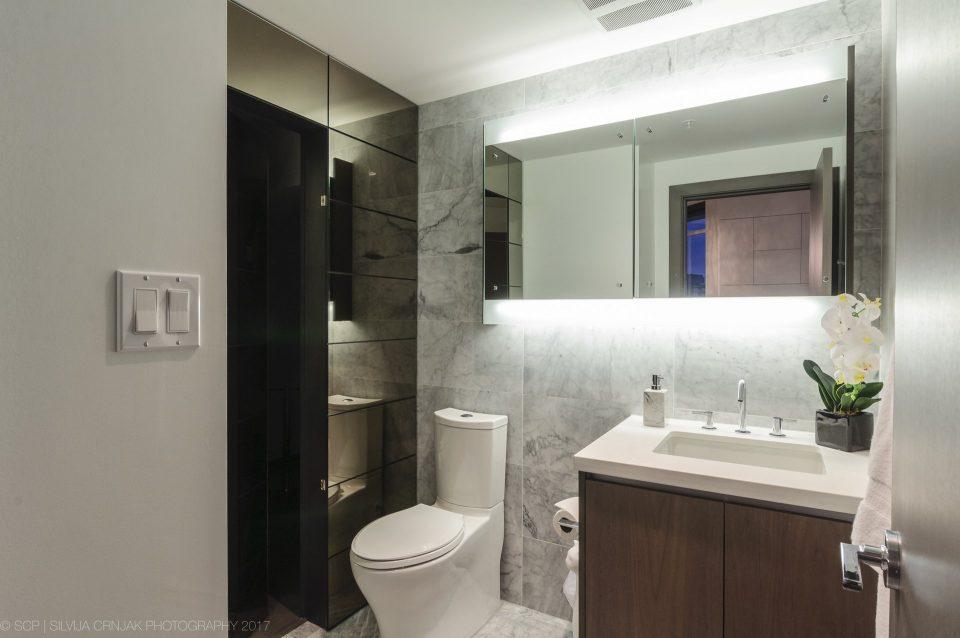 68 Smithe Street bathroom