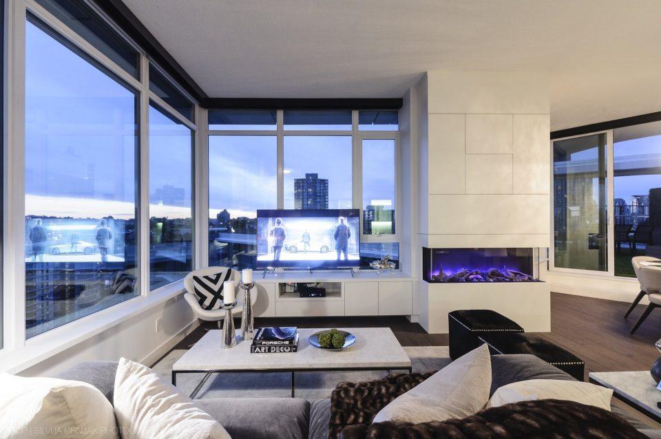 68 Smithe Street living room