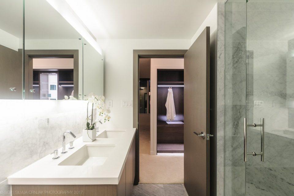 68 Smithe Street shower