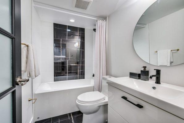 1823 E Georgia St bathroom