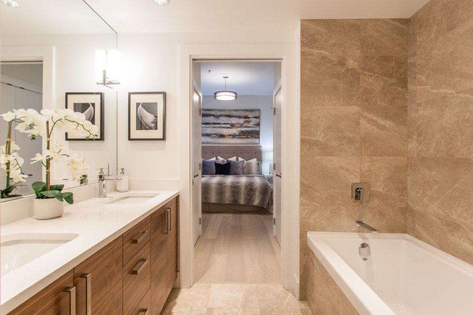 Yaletown penthouse bathroom