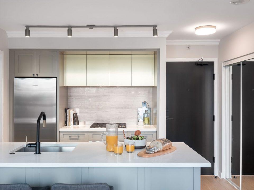 505 - 1495 Richards Street kitchen