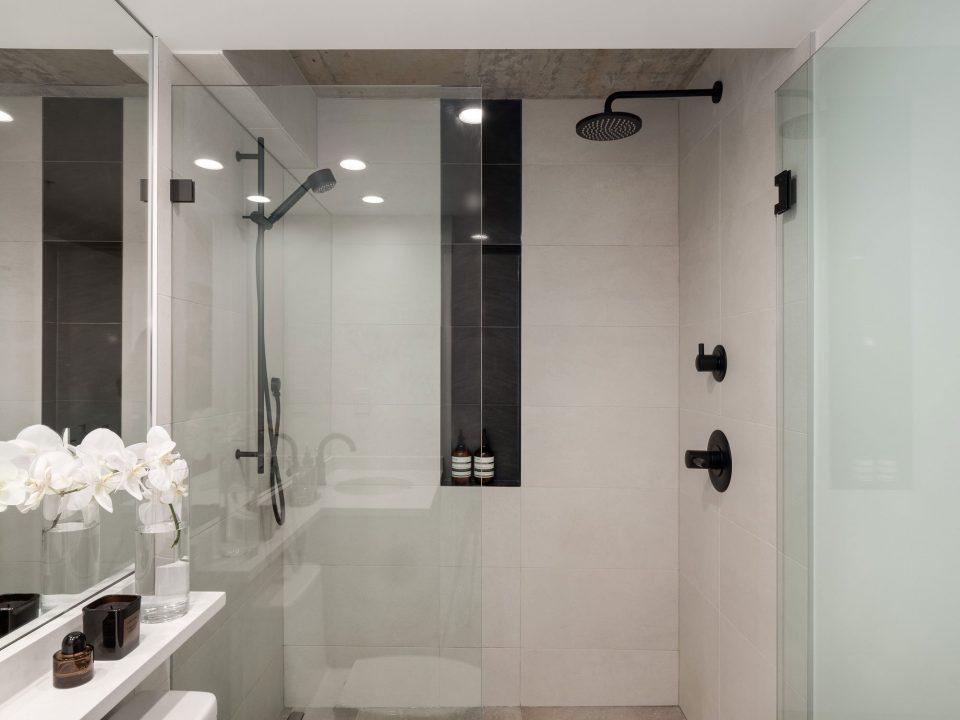 505 - 1495 Richards Street shower