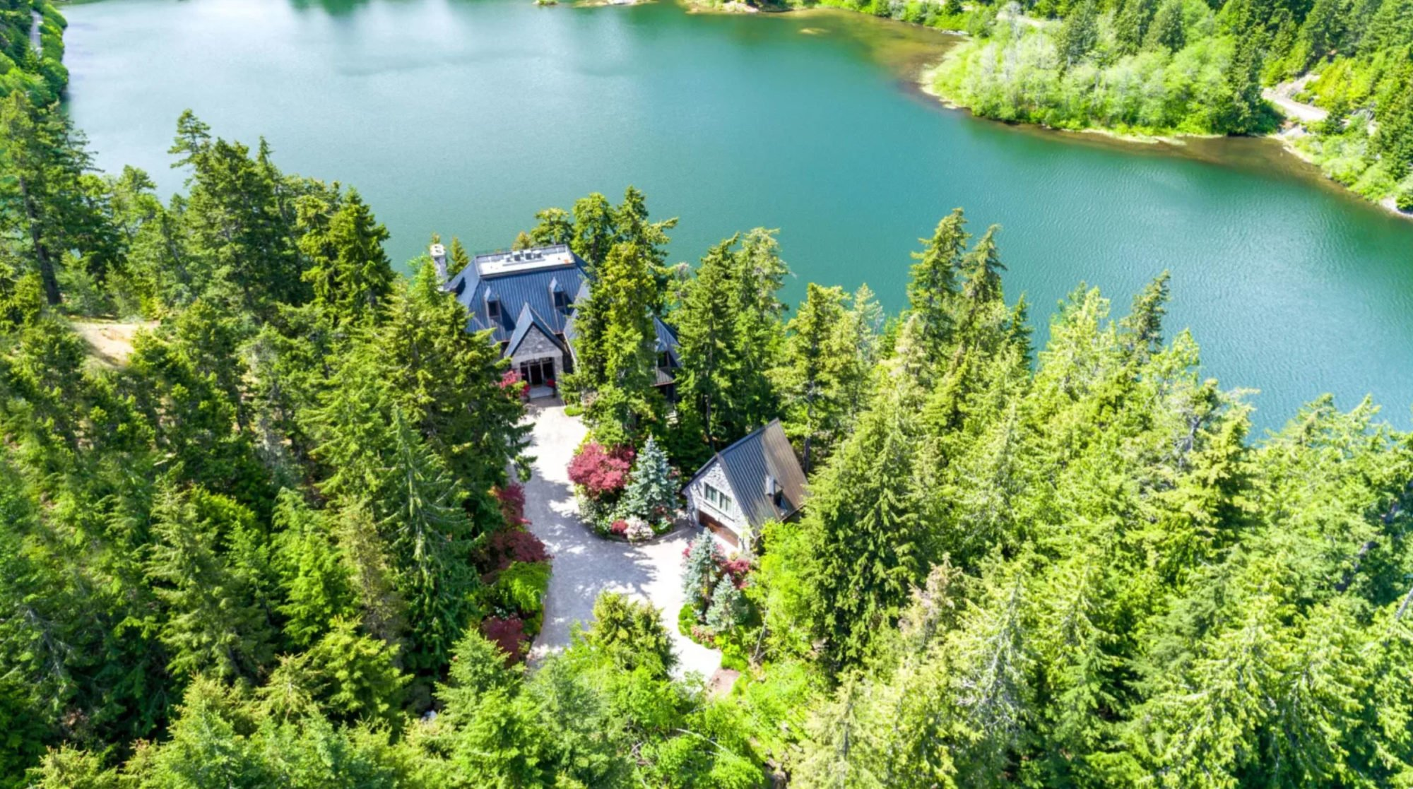 Whistler chateau fails to sell in online auction targeting Chinese buyers