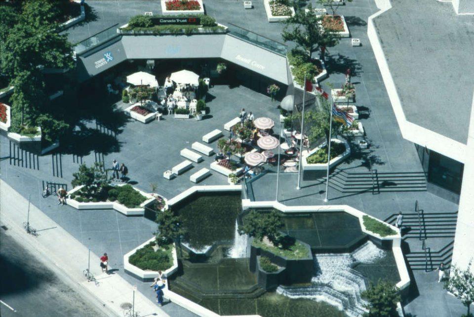 Bentall Centre plaza 1986