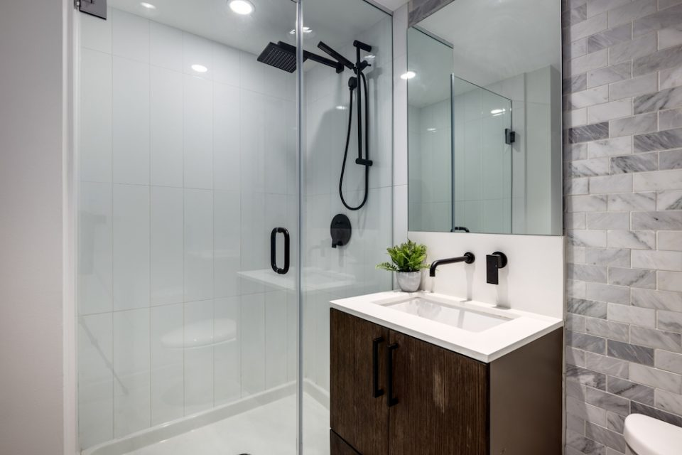 Stand-up shower