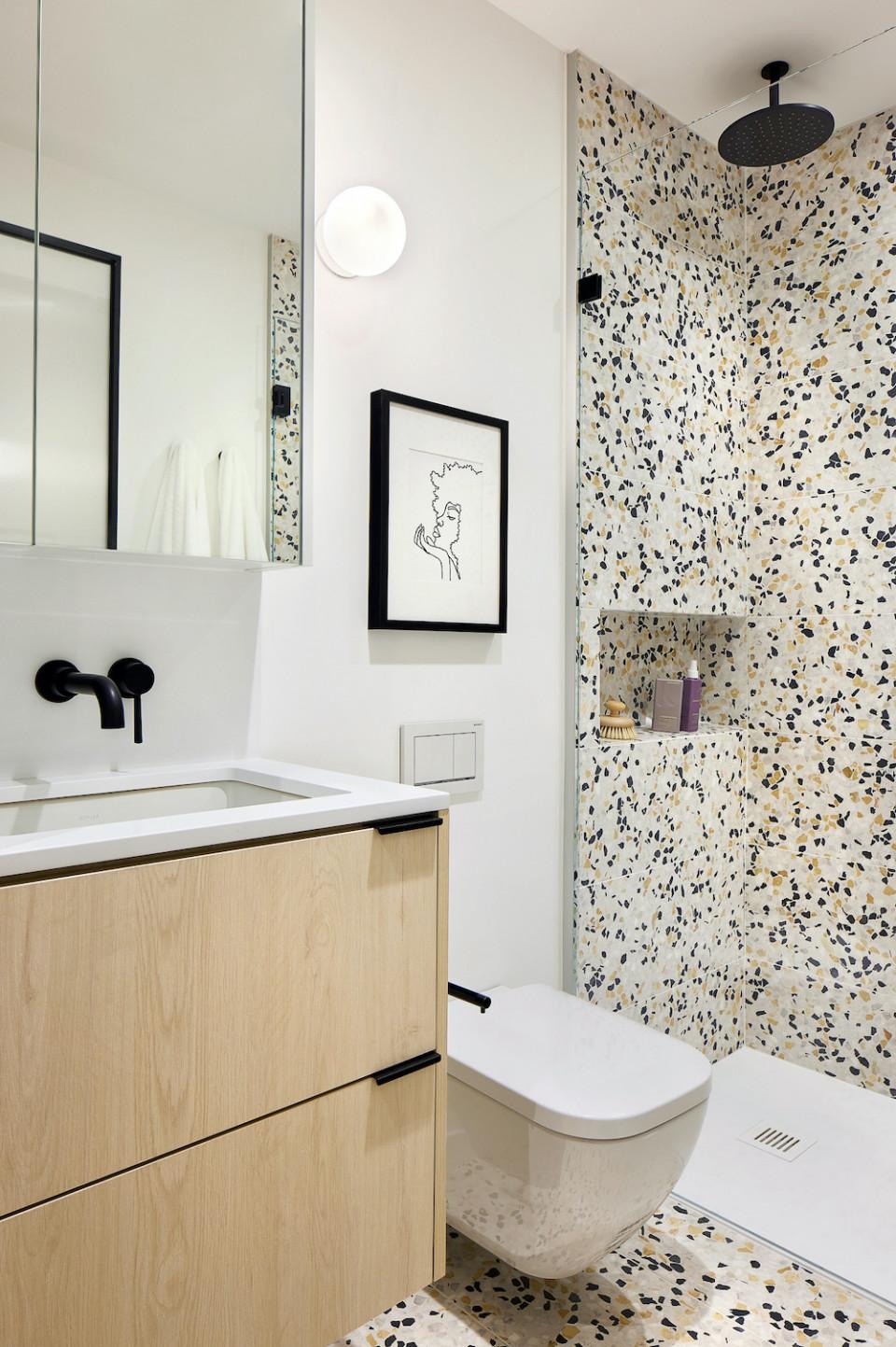 Bathroom with terrazzo finish